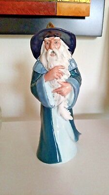 Gandalf of Middle Earth, Signed Royal Doulton by Michael Doulton RARE