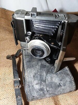 VINTAGE Universal Roamer 1 Camera and Case Collectible Made in the USA