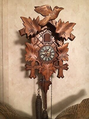 Really Nice Black Forest  Cuckoo Clock 1-Day Traditional Nature Birds & Leaves