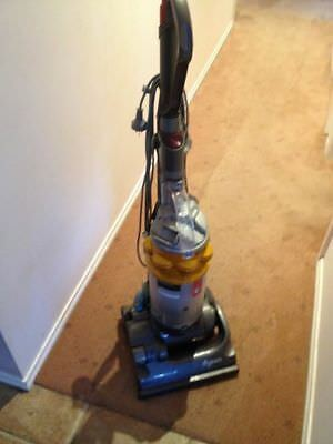 Dyson-DC14-Multi-Floor-Cyclone-Upright-Bagless-Vacuum- Good for parts only