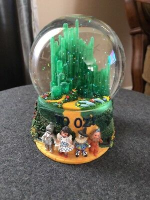 2000 The Wizard of Oz / To Oz Snowglobe and Music Box by Madame Alexander