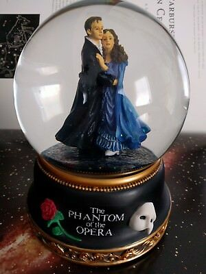 """The Phantom of the Opera snow globe """"All I ask of you"""" Raoul and Christine 1986"""