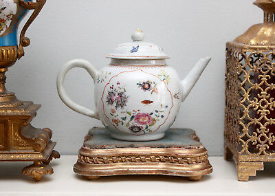 A Beautiful Antique c19th Chinese Export Tea Pot Qianlong Period