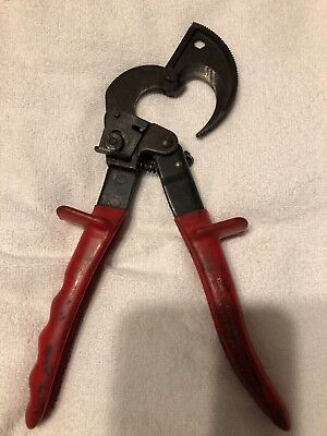 Klein Tools 63060 Ratcheting Cable Cutters Red Handles Germany Pre-Owned