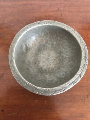Lovely Arts & Crafts Hugh Wallace Pewter Dish With Hand Decoration