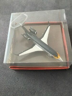 Disney Pixar Cars 2 Spy Jet Siddeley Flugzeug 1:55