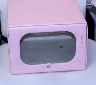 1950 Model Home Hat Box HATBOX Henry Enrich pink Quilted square flip up top