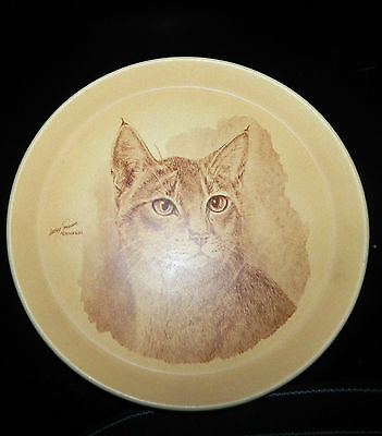 Vintage Crescendo Memento Lesley Probart Abyssinian Pottery Cat Plate England