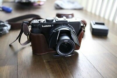 Panasonic LUMIX DMC-LX7 10.1MP Digital Camera &  DMW-LVF2 viewfinder + Extras!