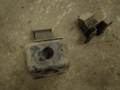 1999 Discovery 2 TD5 ES 10P Pair Of Manual Gearbox Mountings With Brackets