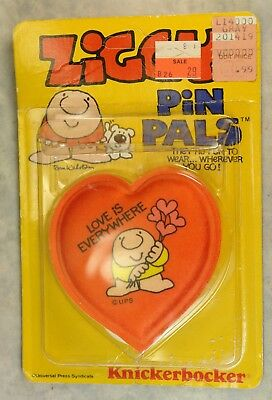 Vintage Ziggy Pin Pals on Original Blister Card, Love is Everywhere