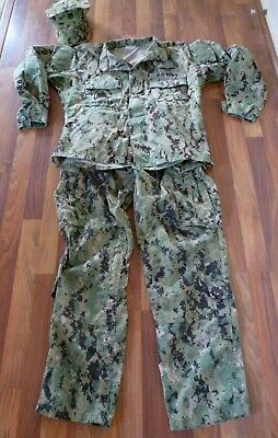 AOR2 NWU Type III Blouse / PANTS/HAT (M-S) U.S. Navy SEABEES/FROG FIRE PROOF PTS