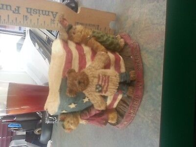 Boyds Bears and Friends Candle Holder 1st Edition J.B. Bearypround and Pals