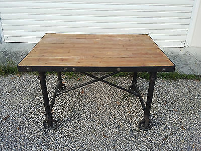 Superb table industrial metal and wood