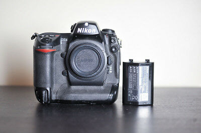 Nikon D2X 12.4 MP DSLR Pro Camera - US Model!