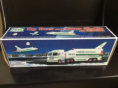 NEW 1999 HESS Toy Truck and Space Shuttle with Satellite FREE SHIPPING