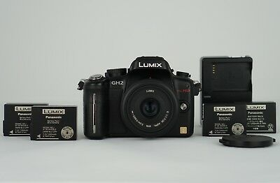 Panasonic LUMIX DMC-GH2 16.0MP + 20mm Pancake lens + 3 Batteries + charger