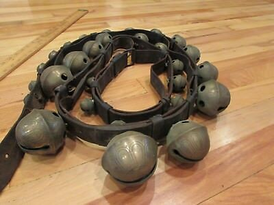 """ANTIQUE 19TH c 29 GRADUATED BRASS SLEIGH BELLS HORSE CHRISTMAS 92"""" LEATHER STRAP"""