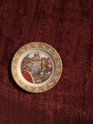 2 1/2 Franklin porcelain Mini Plate Puss In Boots
