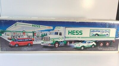 Hess Truck-18 Wheeler and Racer-1992 Mint in box