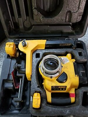 DeWalt DW077 Rotary Laser Level In Case a-x