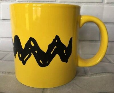 Peanuts Charlie Brown Zig Zag 20 oz Yellow Ceramic Mug Coffee Cup New   E72