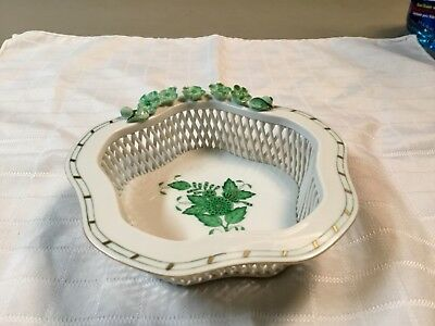 """HEREND Porcelain Hand Painted 6"""" Basket Weave Bowl, EXCELLENT CONDITION!"""