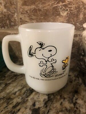 VTG 1965 Anchor Hocking Snoopy Woodstock Coffee Mug At Times Life Is Pure Joy