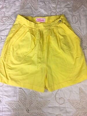 Vintage High Rise High Waisted Shorts Rockabilly Retro Pleated Front Button Side