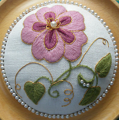 An Elizabethan Rose A Crewel Embroidery Kit 1800 Picclick Uk