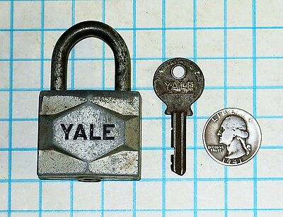 Vtg Antique Old Y&T Yale & Towne Lock Co Early Pin Tumbler Padlock & Key # 6 Six