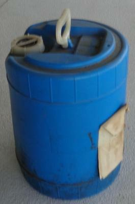 Nice Gently Used Rieke 5 Gallon Plastic Water Container - With Handle Stackable
