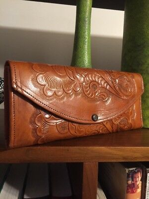 VTG Mexican Tooled Tan Leather Wallet Large