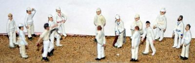 CRICKET PLAYERS 15 UNPAINTED Figures stumps 24mm tall OO Scale Langley Model F35