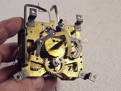 Vintage Schwarzald-Uhren One Day Musical Cuckoo Clock Movement parts repair A