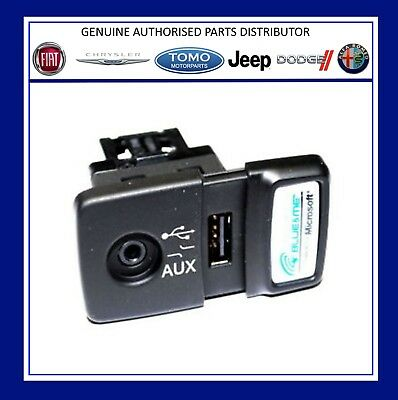 New Genuine Fiat 500 Panda Punto Blue & Me USB Media Player AUX Socket.735547937
