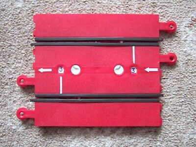 VINTAGE CLASSIC 1960s TRI-ANG SCALEXTRIC TRACK: RED LAP COUNTER (A259), WORKING