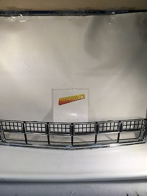 2013-2016 Cadillac Srx Lower Front Grille New Gm #  22739004