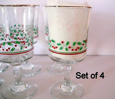 Lot of 4 Vintage 1987 Arbys Christmas Holiday Holly Berry Glasses Wine Goblet