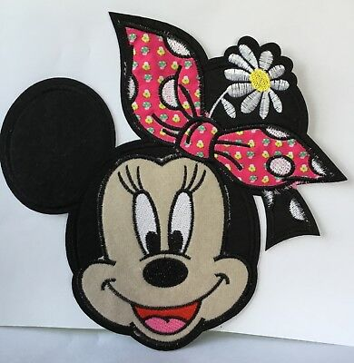 DISNEY MINNIE MOUSE HEART  EMBROIDERED APPLIQUÉ PATCH SEW OR IRON CHARACTER #460