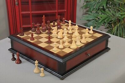 The Reykjavik II Series Library Chess Set and Tiroir Combination - Natural Boxwo