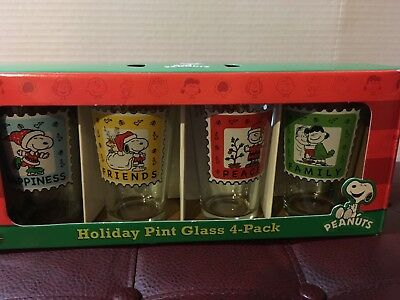 Christmas Peanuts Holiday Pint Glasses 4 Pack Snoopy Charlie Brown Lucy Nib