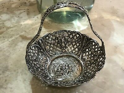 Derby SP Co Dutch Repousse Brides Basket/Tray  Silverplate Buttery Perfection!