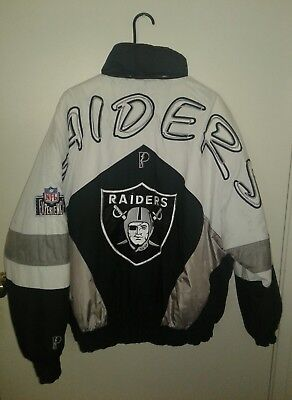 Vintage Football Oakland Raiders  Pro Player Size XL Jacket