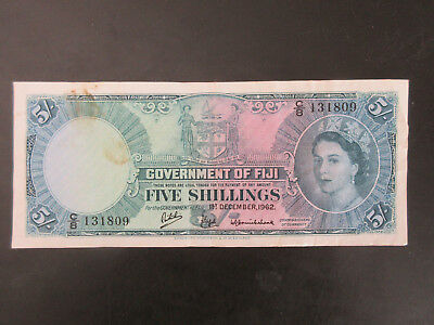 1962 Government of Fiji QEII 5/- Five Shillings Circulated Banknote