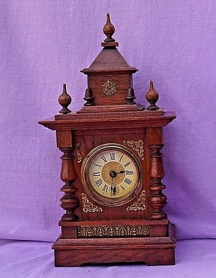 Old American? Mechanical Wooden School House Mantle / Alarm Clock Gwo Excellent