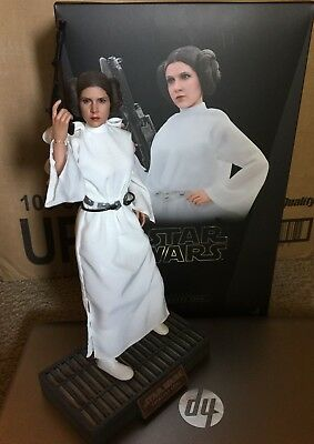 HOT TOYS Star Wars Princess Leia A New Hope 1/6 Scale Action Figure