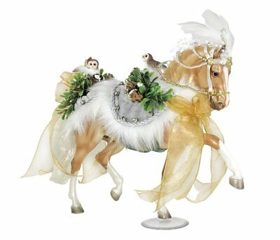 Breyer 1:9 Traditional Series Model Horse: 2017 Winter Wonderland Holiday Horse
