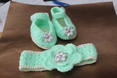 Gorgeous Green/Cream  Baby Girls Crochet Mary-Jane Shoes And Headband.0-6 Mths