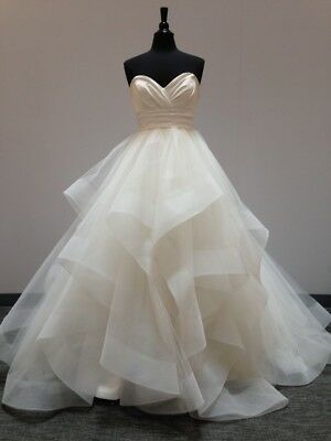Sweetheart Neckline Tiered Wedding Dresses Horsehair Trim Low Back Bridal Gowns